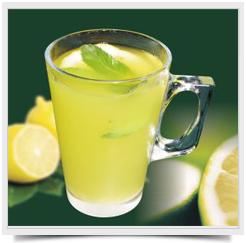 Горячая лимонная вода